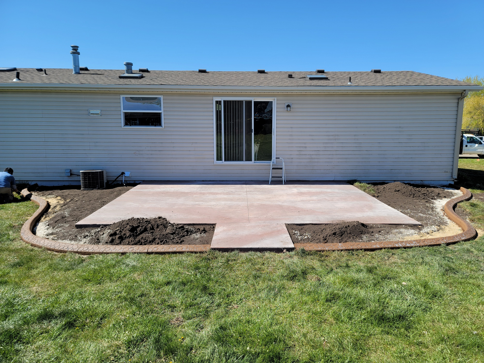 Patio and curb for another satisfied customer